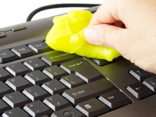 Como desinfectar el teclado de tu compu. Nos cuidamos!